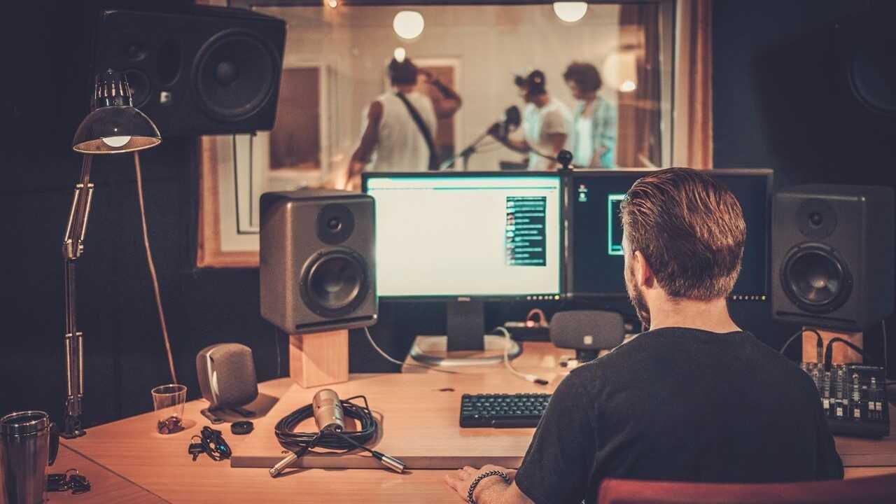 As melhores oportunidades de franquia para estúdios de gravação à venda